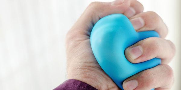 手臂透析动静脉瘘管手术前后锻炼
