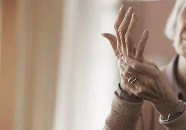 类风湿关节炎最常影响哪种关节图片