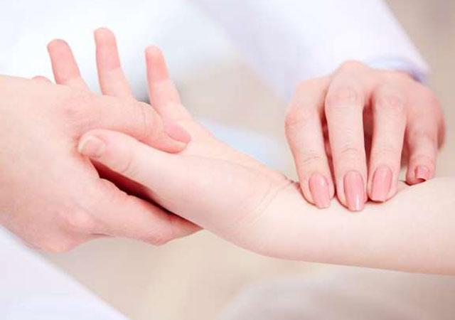 什么是类风湿性关节炎及年轻人儿童原因症状治疗