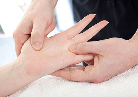 女性类风湿早期症状征兆图片及诊断
